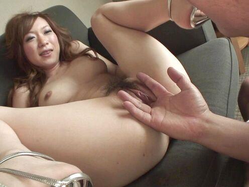 Худая азиатка попробовала секс втроем с двумя опытными мужиками
