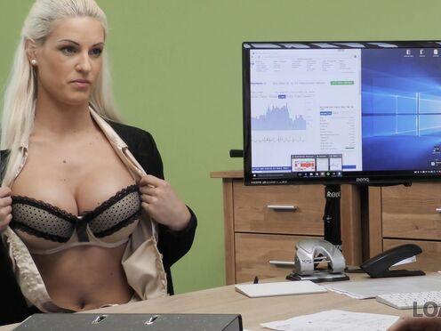 Милфа потрахалась в пизду на собеседовании, чтобы получить работу